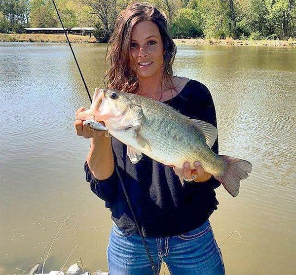 shot-gal-bass-fishing-160419