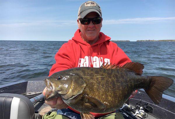 81-smallmouth-bass-fishing-160510