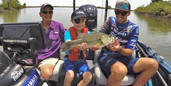 Jocumsen-kid-trip-KPink-bass-fishing-160526