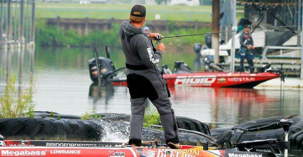 Luke-Clausen-fishing-TTBC-bass-fishing-160526