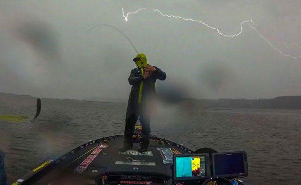 skeet-reese-ride-lighning-bassblaster-bass-fishing-160922